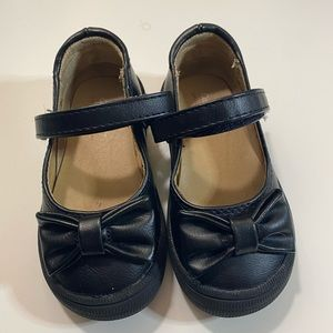 Cat & Jack black dress shoes with bow